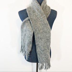 Aris simple gray scarf